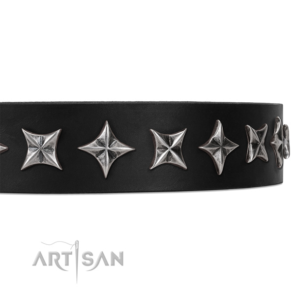 Handy use decorated dog collar of best quality leather
