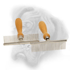 Easy in use Bullmastiff comb with wooden handle
